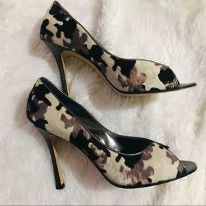 Manolo Blahnik Camouflage Open Toe Pumps 38.5